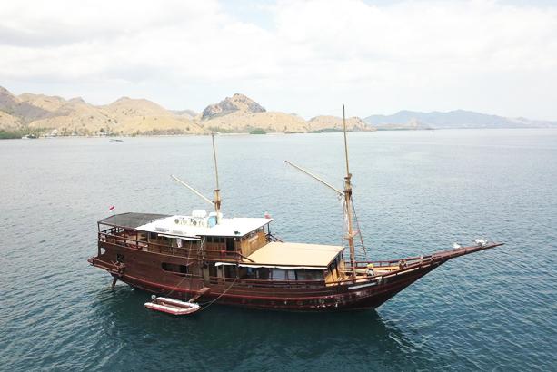 3 Best Komodo Boat Tours from Labuan Bajo